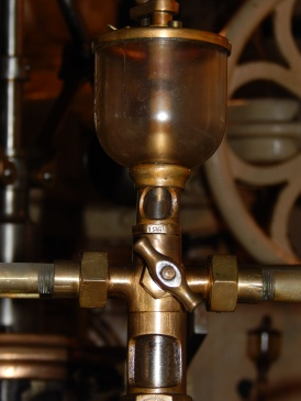 brass and glass = machinery art