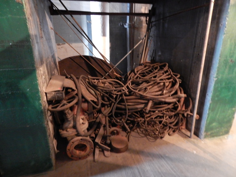 pile of cable - 3rd photo no flash