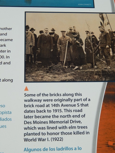 Des Moines Memorial Way honored WWI soldiers.