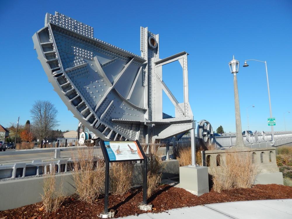 Old Bridge mechanics on new bridge - Southpark