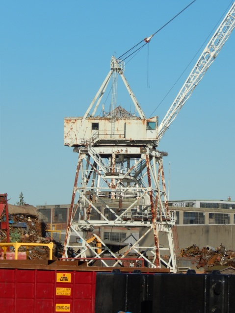 Old crane still in use across Duwamish from Riverside Dr.