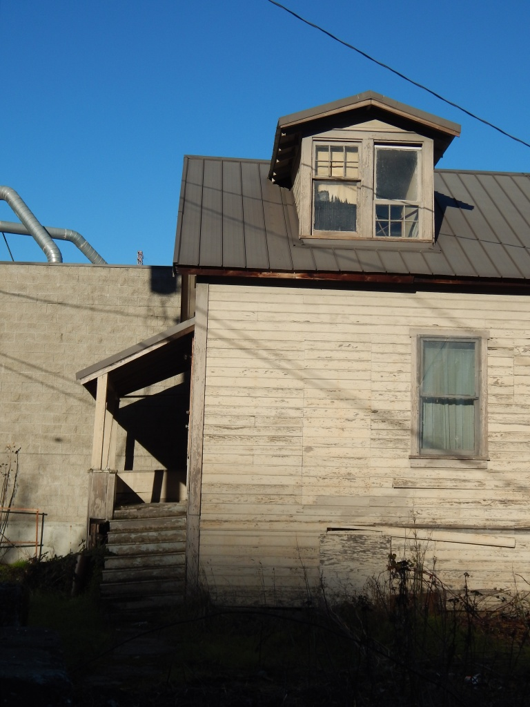 this was someones home and business over 100 yrs ago