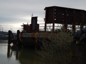 barge parked north of W Seattle Bridge at T7