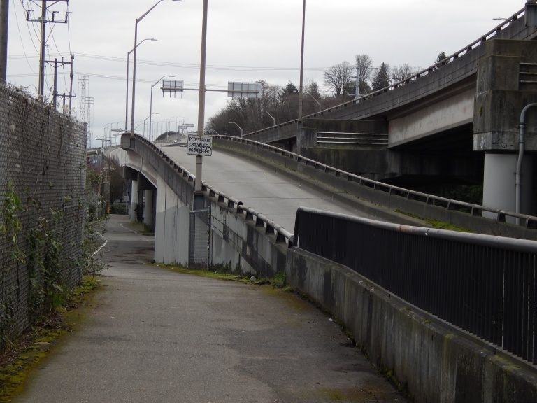East view of Harbor Ave exit and Alki Trail