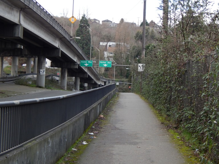 West view of Harbor Ave exit and Alki Trail