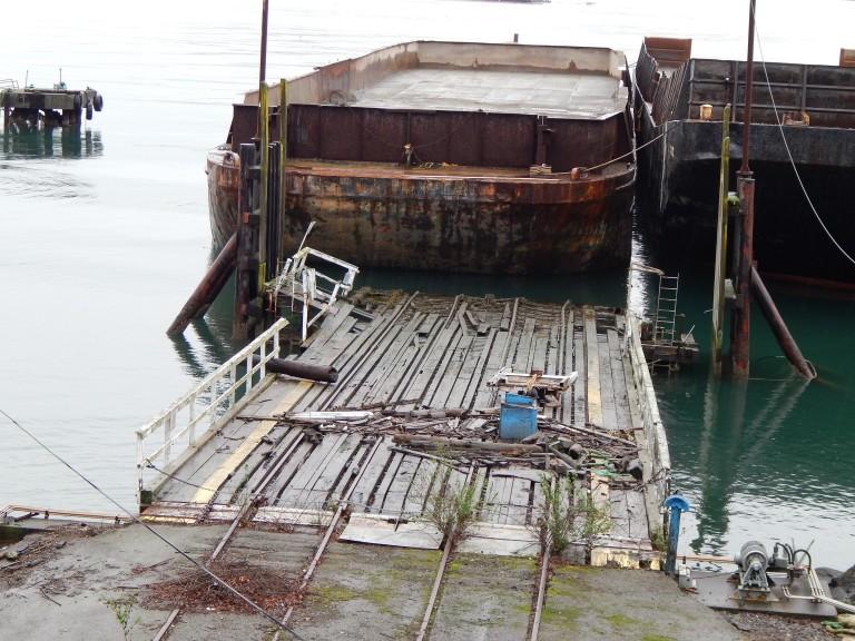 Ramp with high tide debris