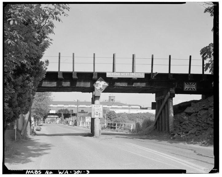 Longacres entrance under the railroad