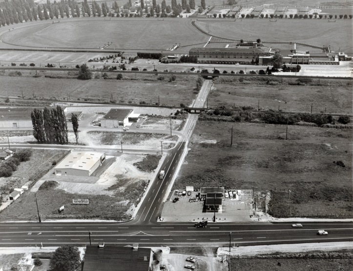 Longacres 1960s showing west side and West Valley Hwy